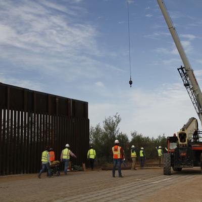 Estados Unidos: Avanzan en construcción de cerca más alta con México