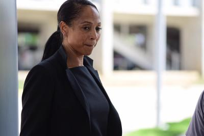 Llega a Tribunal Federal exempleada de FEMA acusada en caso de Cobra