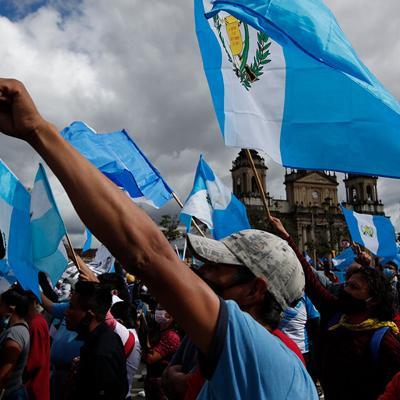Miles vuelven a manifestarse contra corrupción en Guatemala