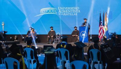 Estudiantes de 12 países se gradúan de la Universidad Adventista de Mayagüez