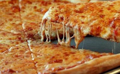 EEUU: Detienen a hombre que colocó navajas en masa de pizza