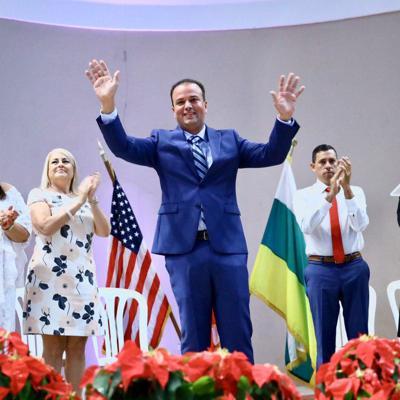 Elliot Colón Blanco juramenta como nuevo alcalde de Barranquitas