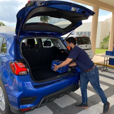 Puerto Rico Cambia regala compra a familias