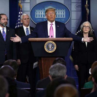 Presidente Trump discute medidas contra el coronavirus