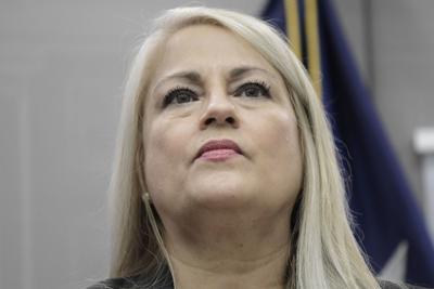 Gobernadora explica por qué pidió salida de Dennise Longo