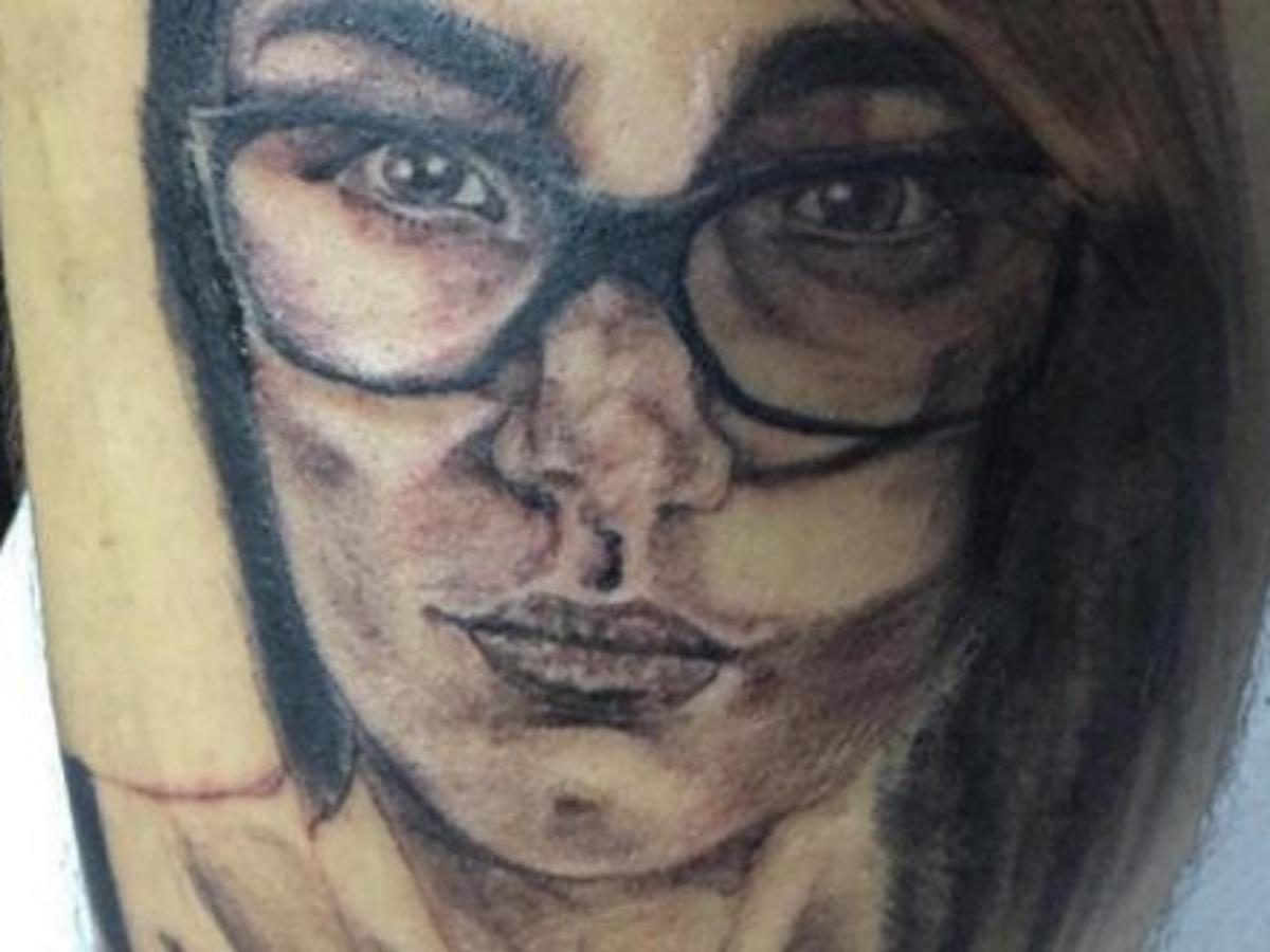 Actrices Porno 2017 Tatuajes ex actriz porno destruye a fanático que se tatuó su rostro