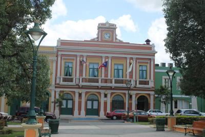 Para reyar y turistear en Juana Díaz
