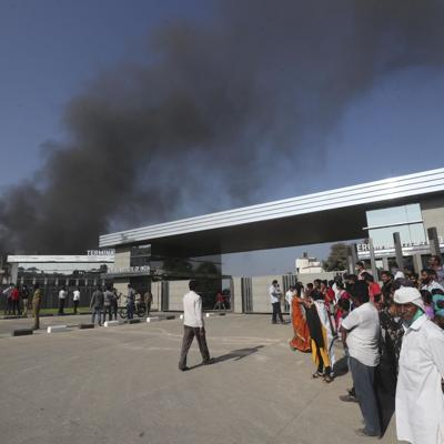 India: arde edificio en complejo de fabricante de vacunas