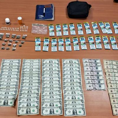 Arrestan a mujer por trasiego de drogas en Manatí