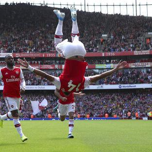 Aubameyang anota otro gol, Arsenal vence a Burnley 2-1