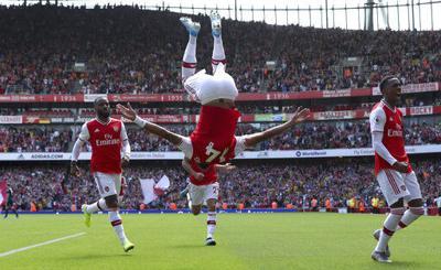Aubameyang anota otro gol, Arsenal vence a Burnley 2-1