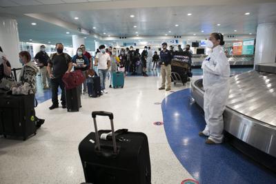 Gobernadora evaluará impuesto a viajeros