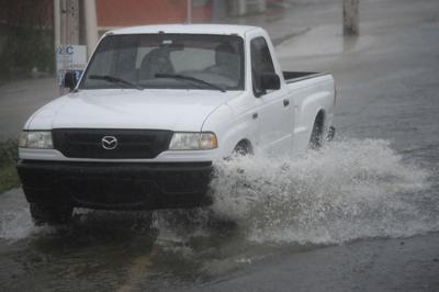 Fuertes lluvias causan inundaciones en varias carreteras en Naguabo