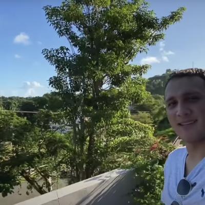 Le dice a la gente que no vengan a Puerto Rico porque se van querer quedar