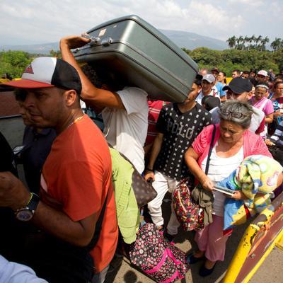 Perú expulsa hacia Ecuador a 150 venezolanos indocumentados