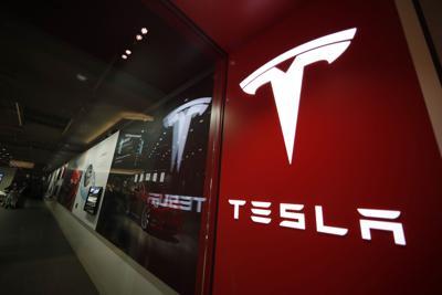 Reguladores investigan accidente fatal de Tesla en Houston