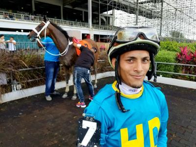 Primera victoria para Luis F. Rivera