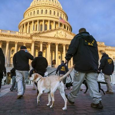 Retiran a 12 guardias de ceremonia de investidura de Biden