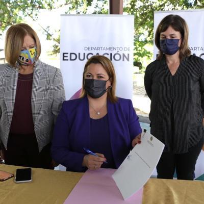 Secretaria de Educación firma nuevo reglamento para escuelas Montessori