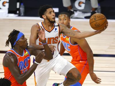 Devin Booker y los Suns siguen invictos en la burbuja
