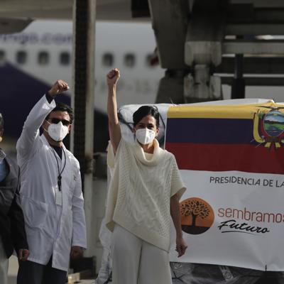Llega primer lote de vacunas contra Covid-19 a Ecuador