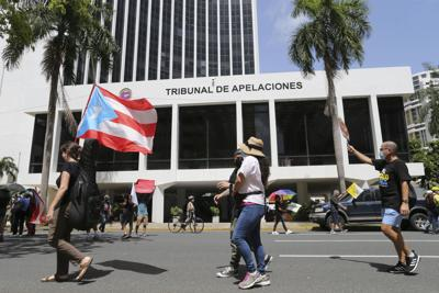 manifestación contra LUMA Energy frente a Junta Fiscal