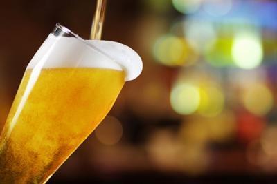 Llega una cerveza ligera con un toque de mandarina