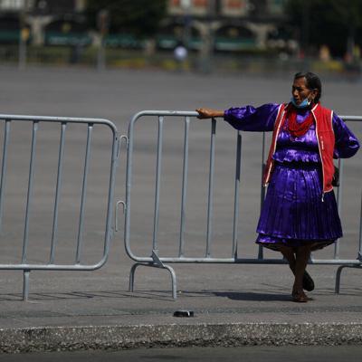 Países latinoamericanos reanudan tareas pese a contagios en alza