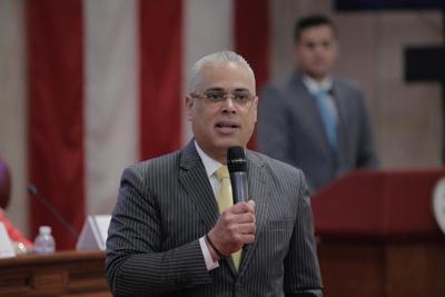 Empleada del Senado demanda por hostigamiento sexual