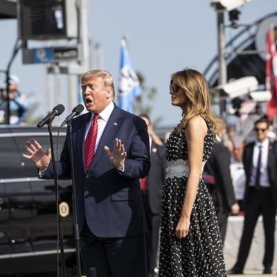 En año electoral, Trump asiste a la carrera Daytona 500