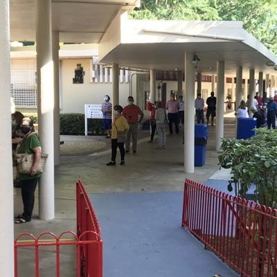 Poca asistencia en colegio de votación PPD en Colegio San Ignacio