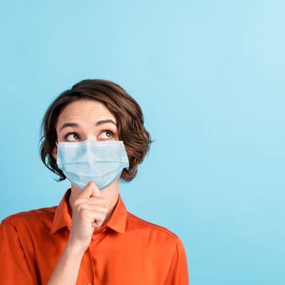 Evita el acné producido por el uso de la mascarilla