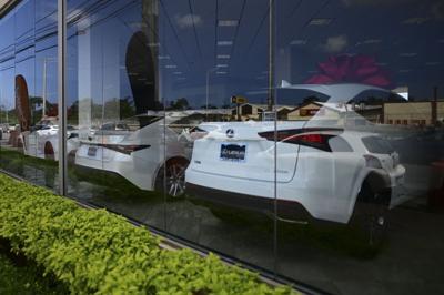 Se venden sobre 10,000 autos en enero