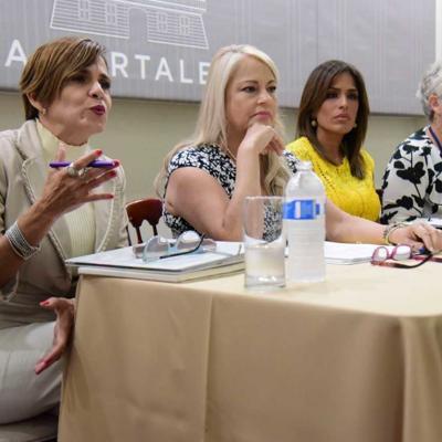 Organizaciones de mujeres se reúnen con gobernadora