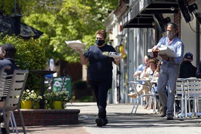 Ayuda por covid impulsa a restaurantes en Estados Unidos