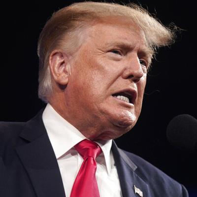 El expresidente Donald Trump es interrogado por una demanda legal