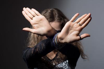 Laura Posada- violencia domestica
