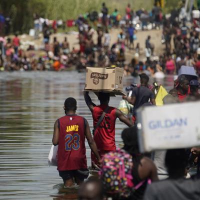 Estados Unidos cierra la frontera en Texas para frenar la entrada de migrantes haitianos