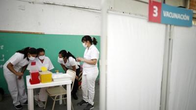 Argentina inmuniza el 50% de su población