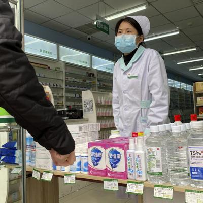 China revisa conteo de casos de coronavirus