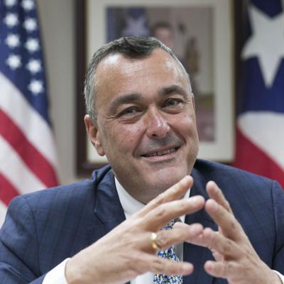 Expresidente del BDE hace alegación de culpabilidad por delitos imputados por el FBI