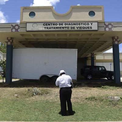 Encuentran equipo médico y medicamentos expirados en antiguo CDT de Vieques