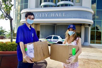 Mets de Guaynabo donan mascarillas y equipo de protección