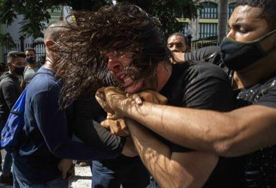 Cubanos se lanzan a la calle en protesta contra el desabastecimiento
