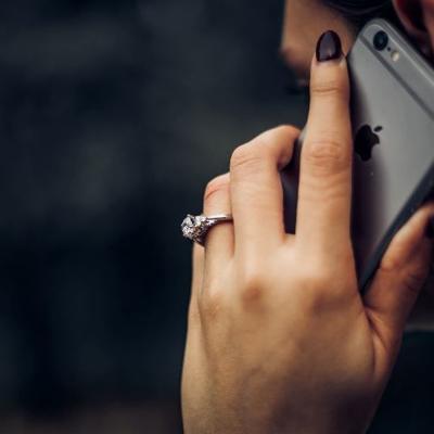 Timan a mujer con supuesta llamada del IRS