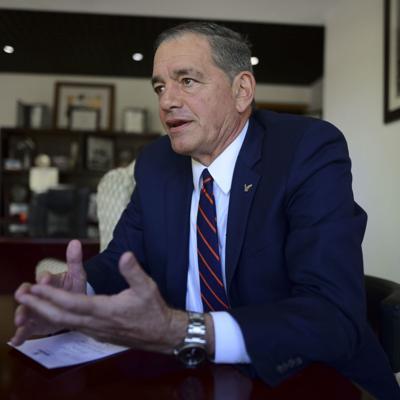 Neumann se quiere quedar en el Senado