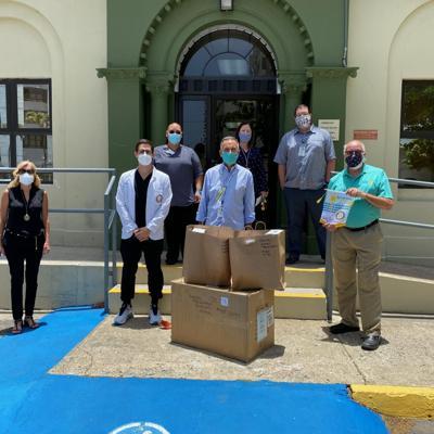 Donan 20,000 mascarillas a profesionales de la salud