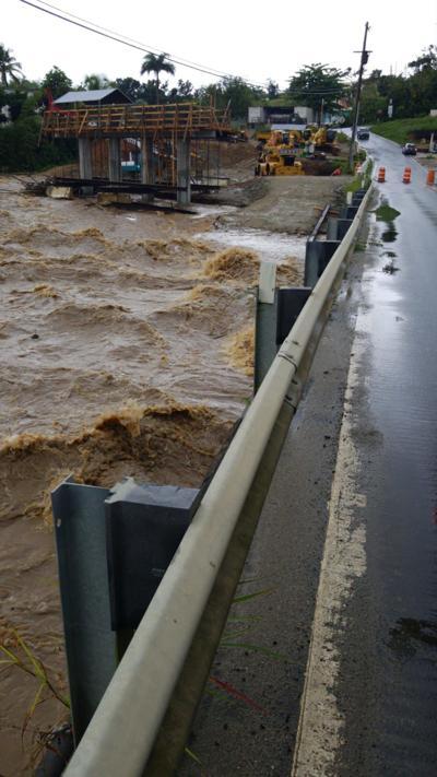 Cierran puente en San Lorenzo por lluvias