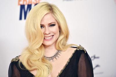 Avril Lavigne anuncia su primera gira en cinco años