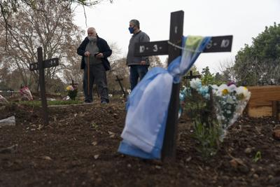 Argentina supera las 100,000 muertes por covid-19